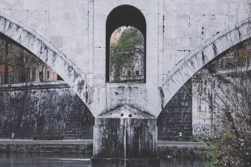 Along the Tiber 008