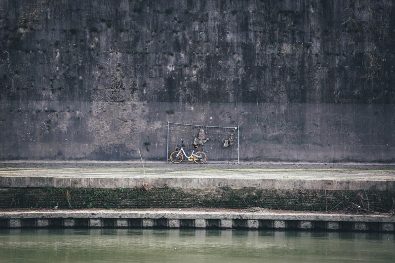 Along the Tiber 011