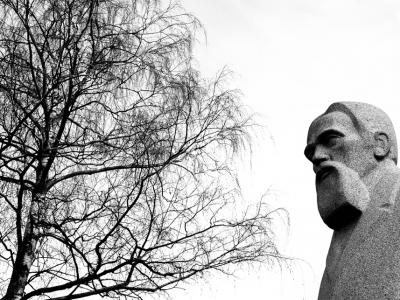 Riga-stone-statues-01