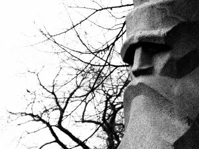 Riga-stone-statues-02